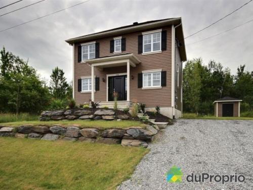 facade-maison-a-vendre-magog-quebec-province-big-64151311